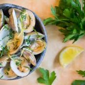 MANILA CLAMS IN VENTURA LIMONCELLO, SUN-DRIED TOMATO & CREAM SAUCE