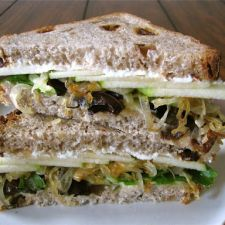 Goat Cheese, Brie, and Caramelized Onion Sandwich with Apples