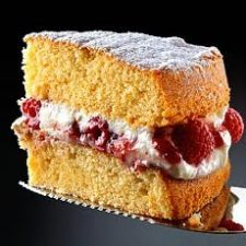 All-in-one Sponge Cake with Raspberry & Mascarpone Cream