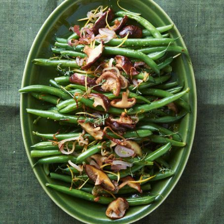 Green Beans with Shallots, Thyme, & Shiitake Mushrooms