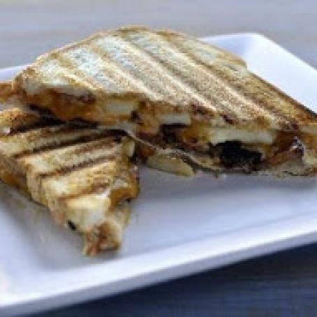 Grilled Apple, Bacon and Cheddar Sandwiches with Roasted Red Onion Mayo