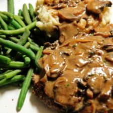 Slow Cooker Melt in Your Mouth Cube Steak and Gravy