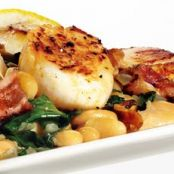Seared scallops with white beans and bacon
