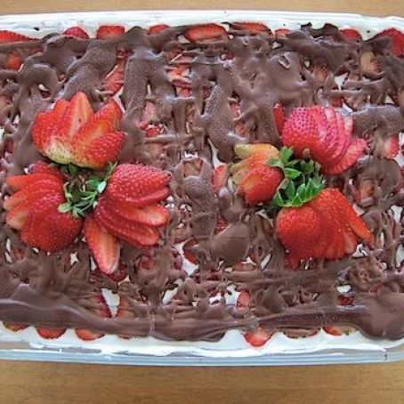 Strawberry Icebox Cake Recipe (No Bake)