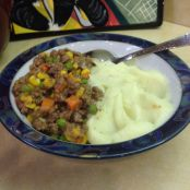 Skinny Shepard's Pie Filling with Cauliflower Mashed Potatoes - Gluten Free!