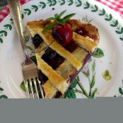 Summer cherry pie (with canned cherries)