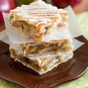 Addictive Apple Pie Bars