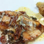 Tuscan Grilled Chicken With Warm Gorgonzola Sauce