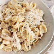 Parmesan Pasta With Chicken & Rosemary