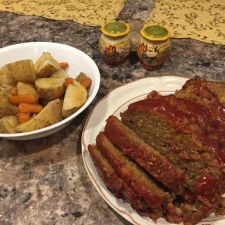 Meatloaf, Potatoes and Carrots