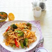 Spicy Noodle Stir-Fry with Vegetables