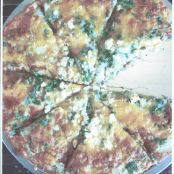 Zucchini and Spinach pizza