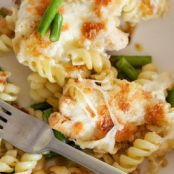 Mozzarella, Chicken and Asparagus Pasta