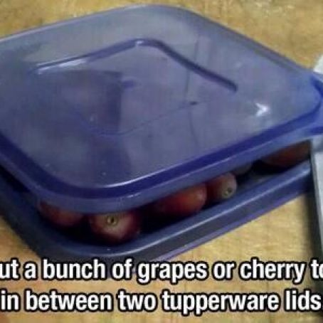 Tip for slicing grapes or cherry tomatoes