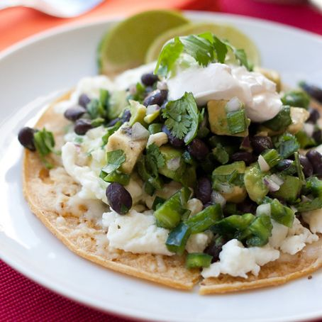 Tortillas with Avocado and Lime Black Beans