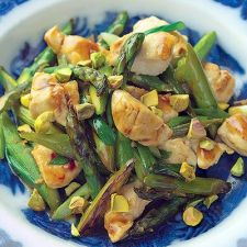 Wok-Seared Chicken Tenders with Asparagus and Pistachios