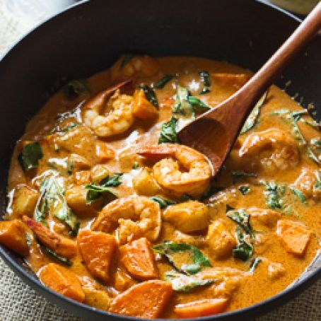 Paleo Thai Red Curry with Shrimp & Mango