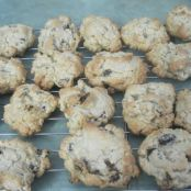 Chewy Chocolate Chip Oatmeal Raisin Cookies