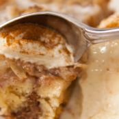 Cinnamon Roll Apple Streusel