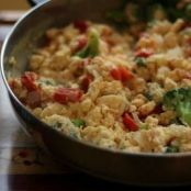 Scrambled Eggs with Tomatoes and Broccoli