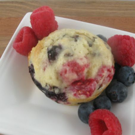 Raspberry-filled blueberry muffins