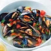Mussels in Tomato Wine Sauce