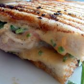 Grilled Chicken Sandwich with Apricot Sauce