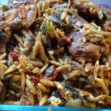 Orzo skillet with chicken and sundried tomatoes
