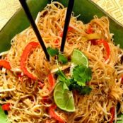 Thai Fried Rice Noodles with Chicken or Tofu (gluten-free)