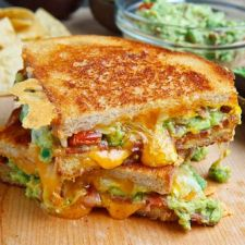 Bacon Guacamole Grilled Cheese Sandwich on Closet Cooking