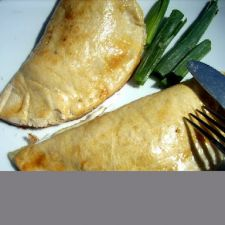 Oven empanadas with shrimp and cheese (chilean recipe)