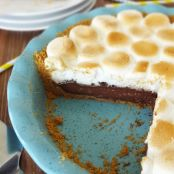 S'mores Chocolate Pie