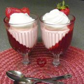 Jell-O Strawberry Cheesecake Parfaits