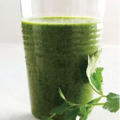 Parsley, Kale, & Berry Smoothie