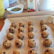 Pumpkin & Dark Chocolate Energy Balls