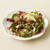 Warm Spinach Salad with Bacon, Chicken and Blue Cheese - Weight Watchers