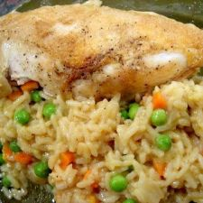 One Pot Chicken and Rice with Peas and Carrots