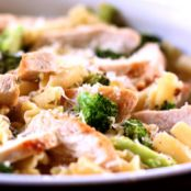 Lemony Broccoli Pasta with Chicken