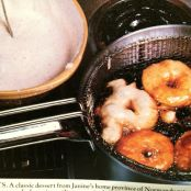 APPLE BEIGNETS (FRENCH APPLE FRITTERS)