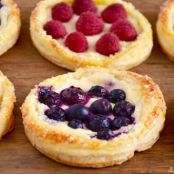 Fruit & Cream Cheese Breakfast Pastries