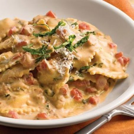 Tuscan-Pasta with Tomato-Basil Cream