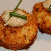 Crab Cakes with Spicy Remoulade Sauce
