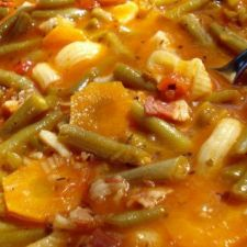 Soup with string beans, garlic and bacon