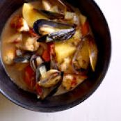 Provencal Chicken Mussels Pot