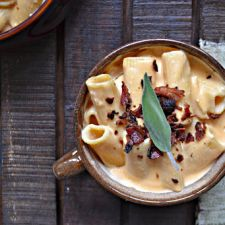 Pumpkin & Cider Stove Top Mac n' Cheese with Crispy Bacon