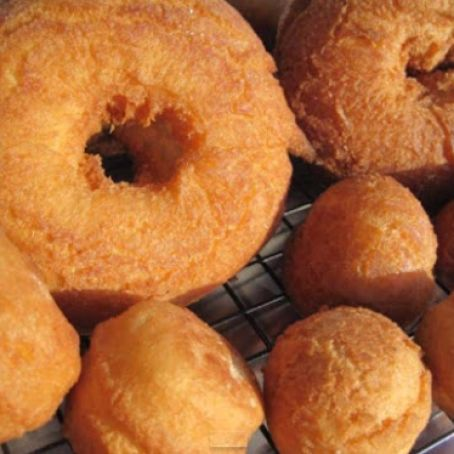 OLD FASHIONED CAKE DOUGHNUTS
