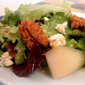 Special Green Salad with Pears, Blue Cheese & Candied Pecans