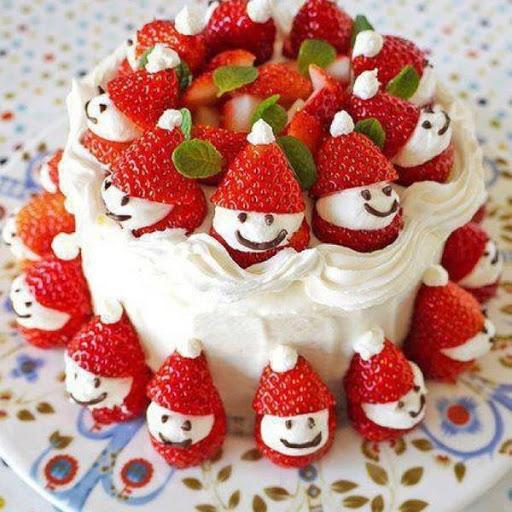 Strawberry Santa Cake Recipe - (4.3/5) image