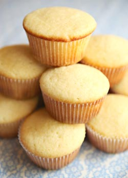 Basic Vanilla Cupcakes Recipe 4 2 5
